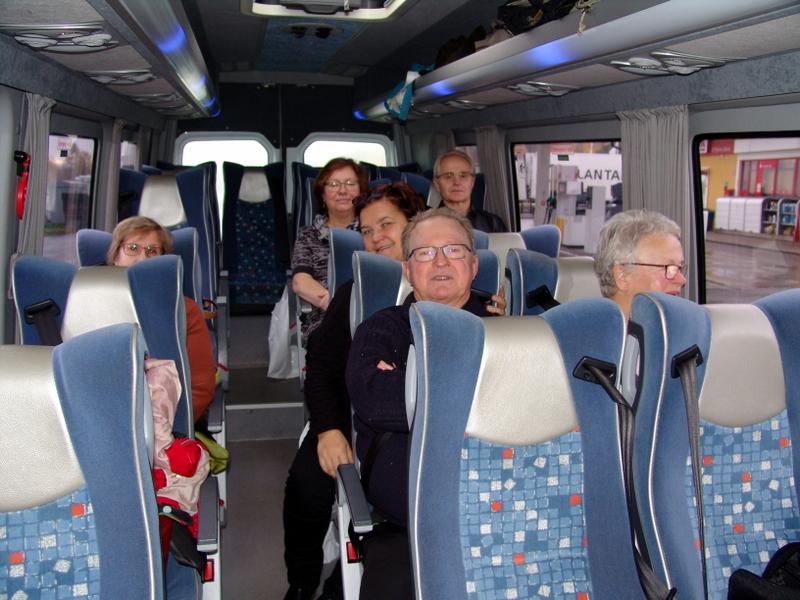 Förväntansfulla Bussresenärer
